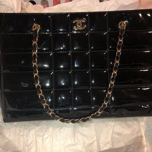 CHANEL PATENT LEATHER QUILTED TOTE PURSE